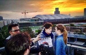 """Wird es einen Filmkuss geben? Romantische Stimmung heute Abend bei den Dreharbeiten zu """"Uranophobie - Die Angst vor dem Himmel"""" auf dem Dach des Skyline Plaza Frankfurt."""