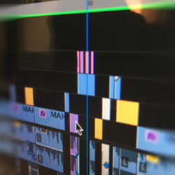 Verschiedene Videoclips in einem professionellen Schnittprogramm, InZwischenZeit:Filme bietet Imagefilme für Unternehmen und Werbefilme wie erkenne ich eine gute Filmproduktion