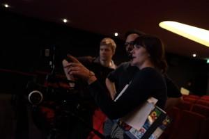 Regisseurin Alicia-Eva Rost und Assistent Marco Dey am Set für einen Trailerdreh von InZwischenZeit:Filme